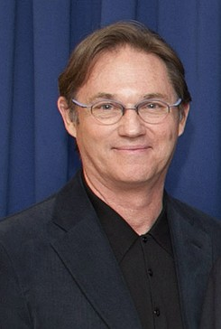 Richard Thomas en 2014 - 245px-Richard_Thomas_2014_(cropped)